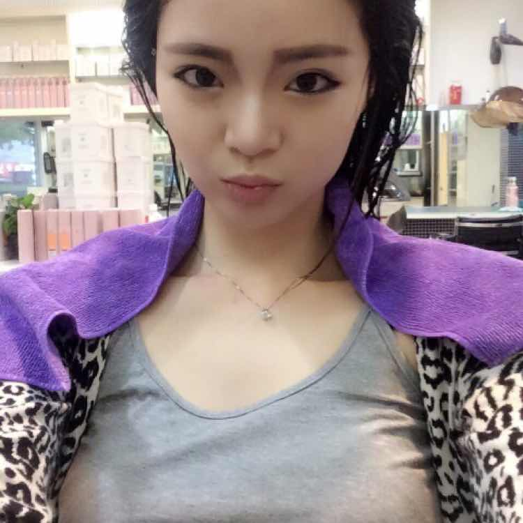 Emily(尹小姐)
