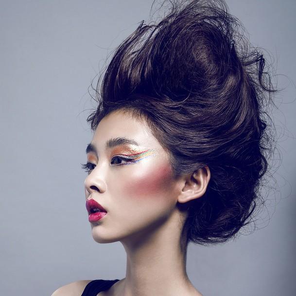 女人美甲美发